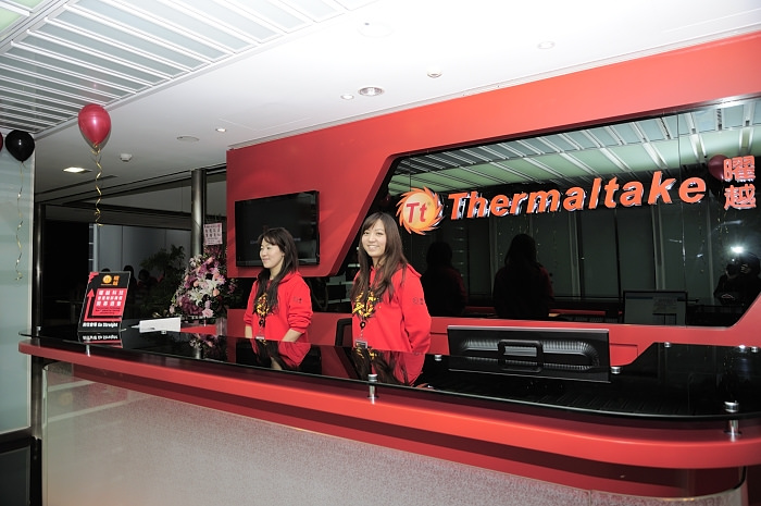thermaltake-ttesports-luxa2-ttapollos
