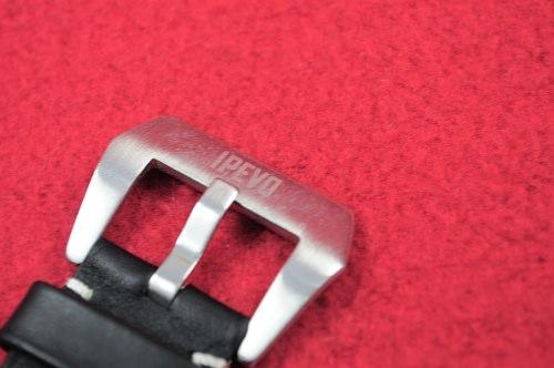 ipevo-chrono-leather-strap-ipod-nano