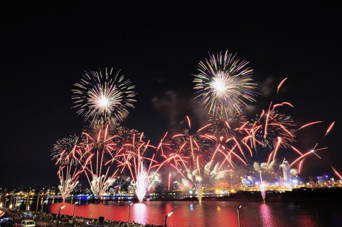 2013-dadaocheng-fireworks